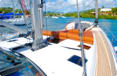 写真:ヨットの甲板